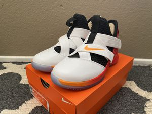 Nike Lebron Soldier XII 12 Youth 4.5 Y Womans 6 Basketball Shoes AA1352 181 for Sale in Riverside, CA