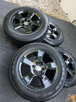 """20"""" chevy tahoe ltz stock black wheels tires like new!! for Sale in Romeoville, IL"""