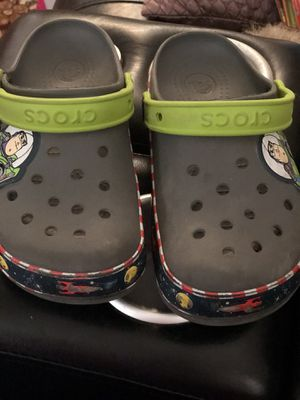 Big kid toy story Buzz size 3 crocs for Sale in Moreno Valley, CA