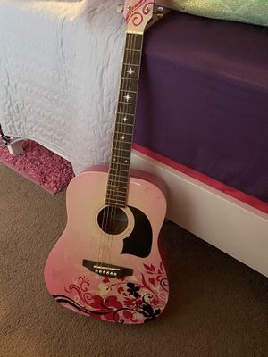 Pink guitar for Sale in Kissimmee, FL