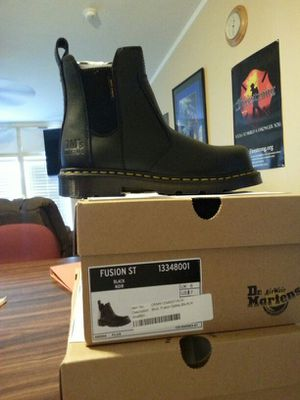 Dr Martin Steal toe Boots woman's 7 for Sale in Goodyear, AZ