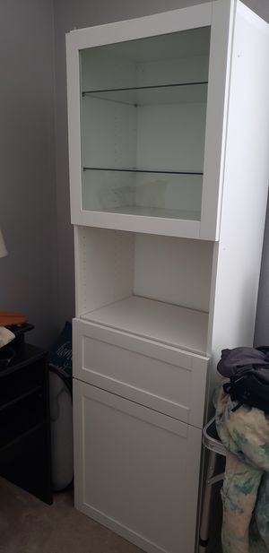 White cabinet with glass door and shelves for Sale in Laguna Beach, CA
