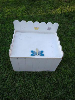 Kids Toy Chest Bench for Sale in Hemet, CA