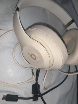 Beats Solo 3 for Sale in Sanger, CA