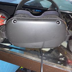 Oculus Quest for Sale in Springfield,  IL
