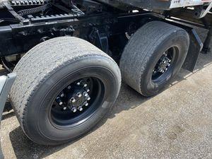 Super single tires 22.5 for Sale in Orlando, FL