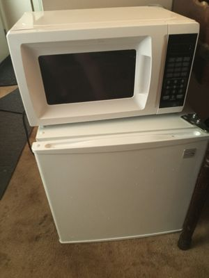 Microwave and mini-fridge with freezer for Sale in Galloway, OH