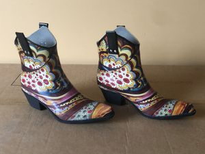 Funky cowgirl boots (size 10) for Sale in Mt. Juliet, TN