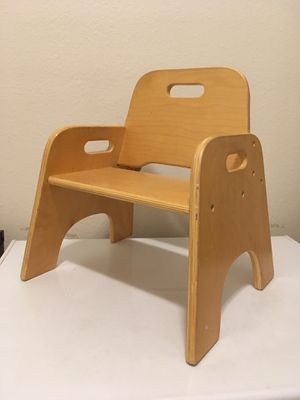 "Wooden Toddler baby kids Chair (8"" Seat Height) for Sale in Raleigh, NC"