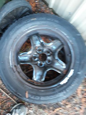 Free GM rim and road hugger 215/55R16 93H M+S tire for Sale in Bonney Lake, WA