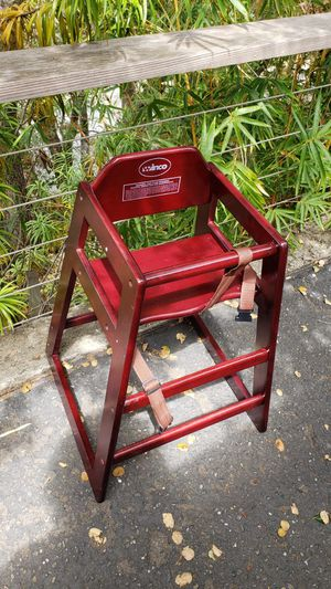 High chair for Sale in Belmont, CA