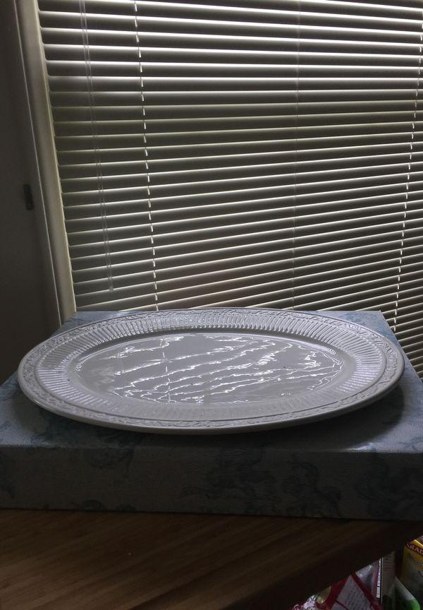 "Mikasa oval platter 18"""