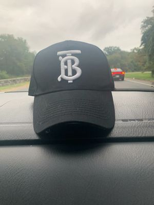 Burberry hat size medium for Sale in UPPR MARLBORO, MD
