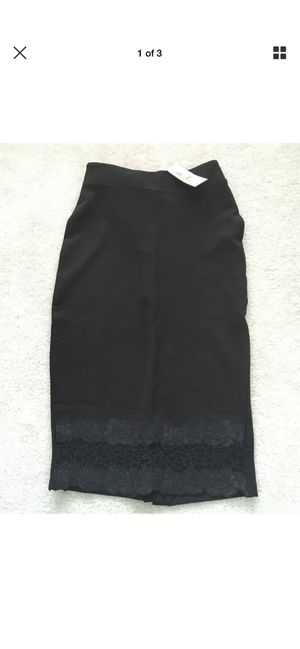 Womens Pencil Skirt With Lace Below Knee(small) for Sale in Herndon, VA