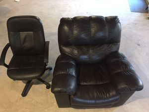 FREE - Recliner and computer chair for Sale in Frederick, MD