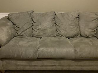 Matching Couch And Loveseat - Minor Flaw Read Description for Sale in Roseville,  MI