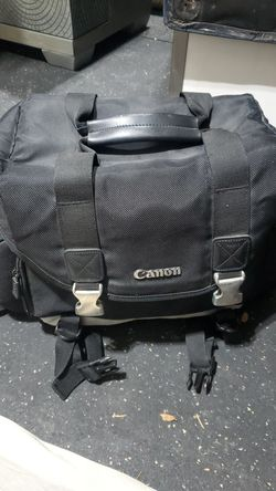 Cannon dslr carry bag for Sale in Galloway,  OH