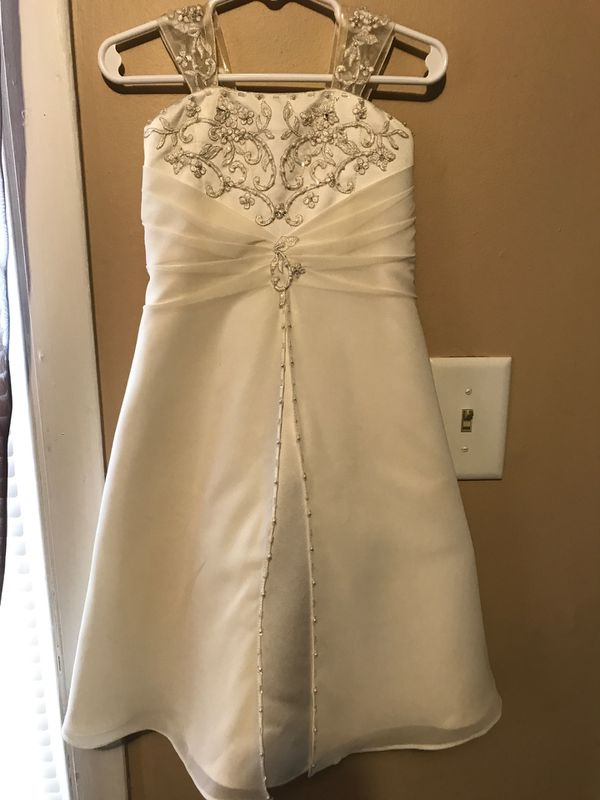 David's Bridal Flower Girl Dress Beaded & Sequins (Size 2T) Excellant Condition