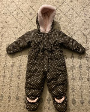 Polka dot snow suit (girls size 6-9months) for Sale in Montclair, CA