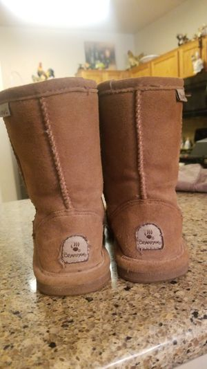 Girls size 1 bear paw boots for Sale in Queen Creek, AZ