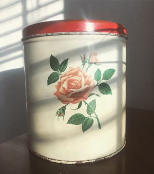 Decoware Rose Canister🌹 for Sale in Las Vegas, NV