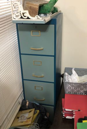 4 drawer file cabinet for Sale in Raleigh, NC