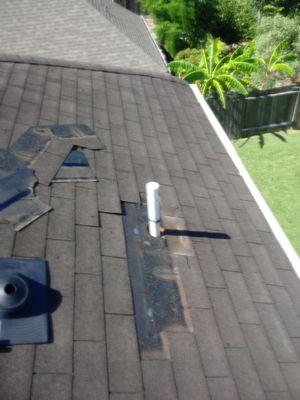 Reparamos roofing y hacemos nuevos roofing contáctanos para un estimado for Sale in Houston, TX