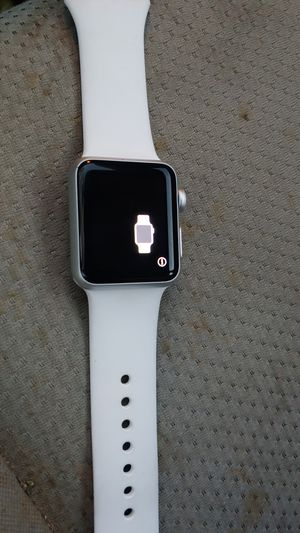 Apple watch 3 38mm case white for Sale in Nuevo, CA