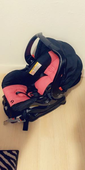 Car seat for girl for Sale in Tampa, FL