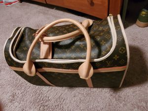 LOUIS VUITTON (monogram sac) Chien 40 dog carrier for Sale in Portland, OR
