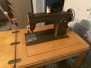 New home sewing machine / table vintage antique mint for Sale in Broadview, IL