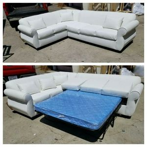 NEW 7X9FT WHITE LEATHER SECTIONAL WITH SLEEPER COUCHES for Sale in Corona, CA