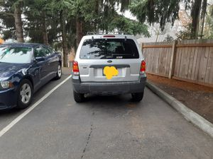 05 ford escape xlt 4x4 want to trade for Sale in Puyallup, WA