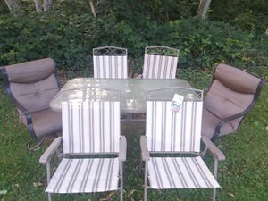 7pc Patio table and chairs set for Sale in Gig Harbor, WA