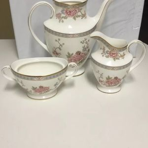 BEAUTIFUL 33 years old Antique 1977 (3 piece) Royal Doulton England fine bone China coffee or tea set $70** Trade For Used Bike Similar Value for Sale in Hialeah, FL