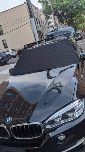 Windshield Cover Fits most Cars, Trucks and SUVs Size 39x70 in for Sale in Newark, NJ