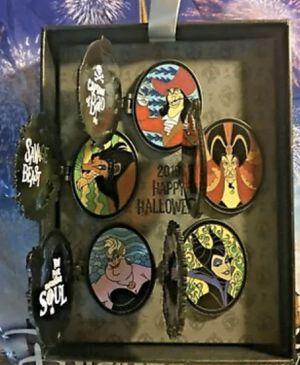 5 PIN VILLAIN BOX SET Happy Halloween 2019 Disney Hinged SCAR JAFAR MALEFICENT for Sale in Anaheim, CA