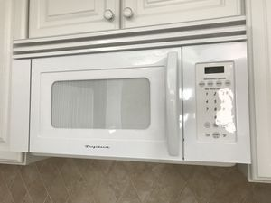 Complete kitchen appliance package like new. Refrigerator, microwave, stove/range, dishwasher for Sale in Fort Pierce, FL
