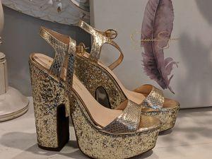 Jessica Simpson Heels Gold size 7 for Sale in Miami, FL