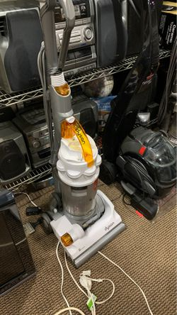 Vacuum dyson for Sale in Everett,  MA