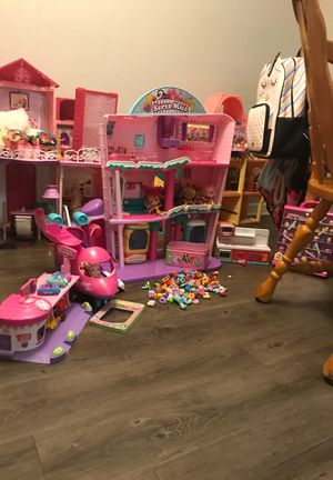 Shopkins mall,and other shopkins items largo flordia for Sale in Largo, FL