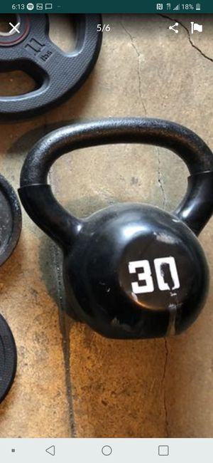 30 und kettle bell weight. for Sale in Castro Valley, CA