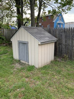 Dog house for Sale in Temple Hills, MD