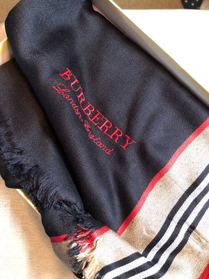 Burberry scarf for Sale in Orlando, FL