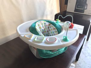 Bumbo & baby eating chair for Sale in San Antonio, TX