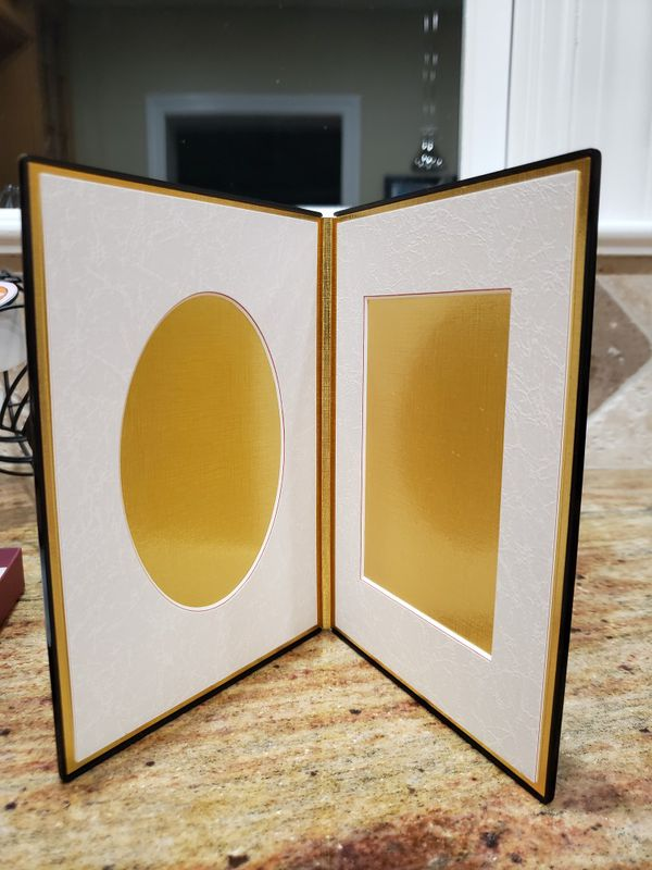 Japanese folding picture frame