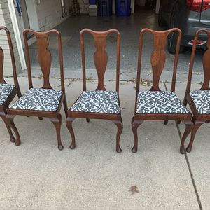 5 antique Queen Anne dining chairs for Sale in Naperville, IL