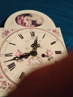 Clock From La Crema In California for Sale in Tolleson,  AZ