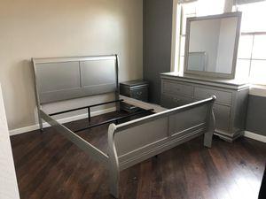 QUEEN OR FULL BEDROOM SET for Sale in Phoenix, AZ