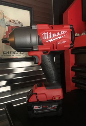 MILWAUKEE M18 FUEL 2767-20 HIGH TORQUE 1400lb IMPACT WRENCH W 5.0 BATTERY BRAND NEW for Sale in Virginia Beach, VA